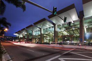 La Jolla To San Diego Airport Shuttle Service, International, Sedan, SUV, Limo, Limousine, Shuttle, Charter, Sprinter Van, One Way Transfer, Round Trip